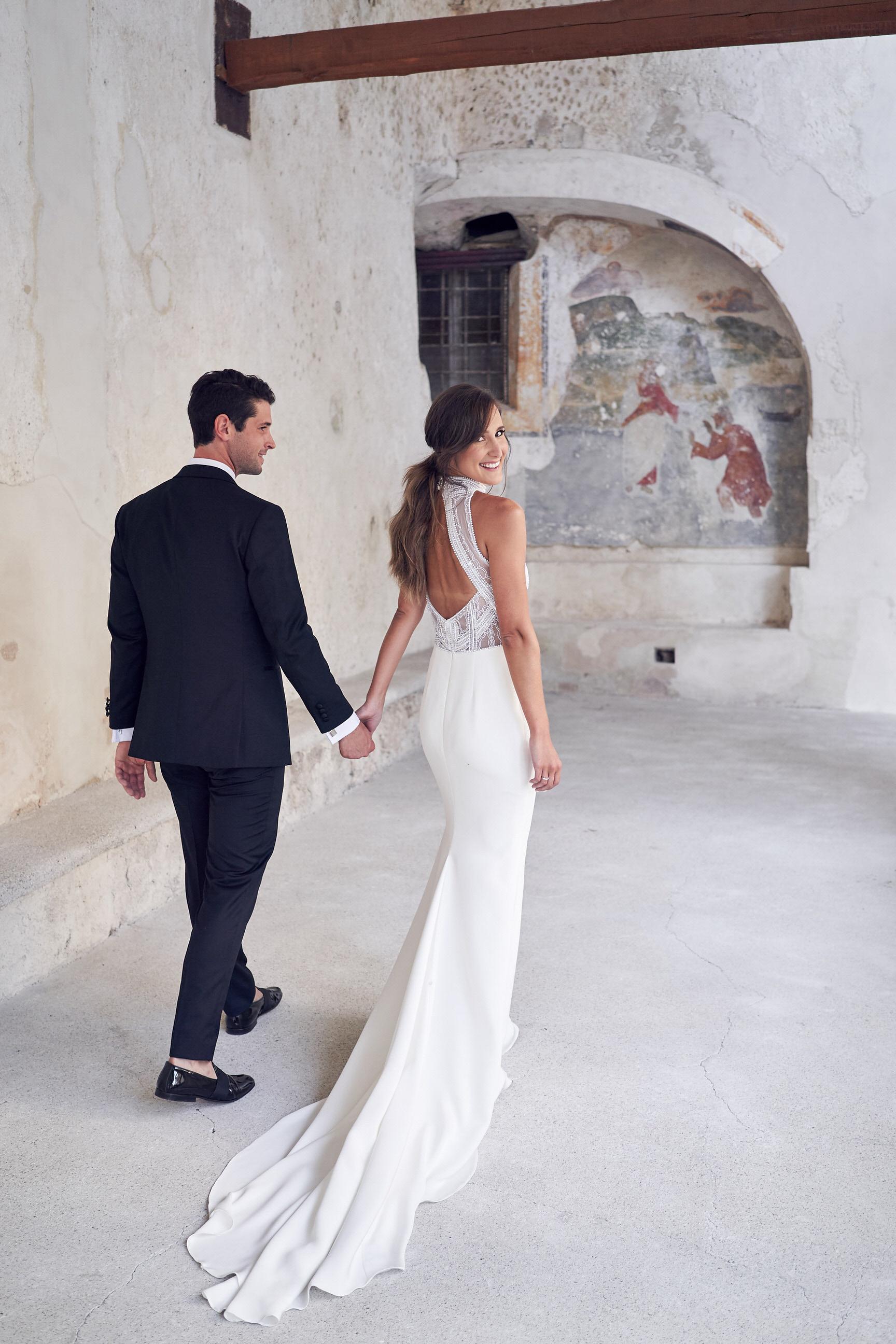 Luxury italy wedding planner Amalfi Convento wedding couple