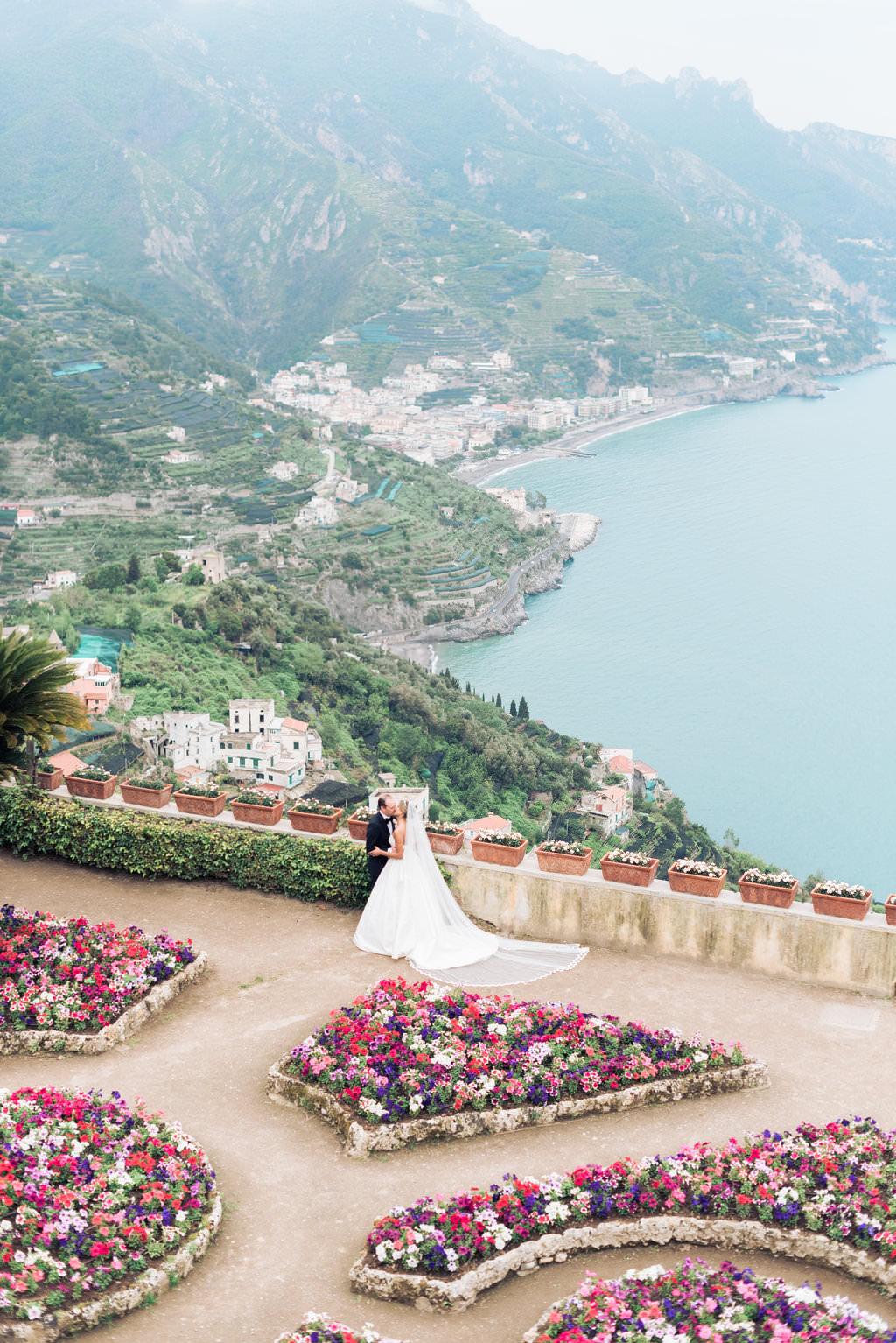 Luxury italy wedding planner Ravello wedding couple